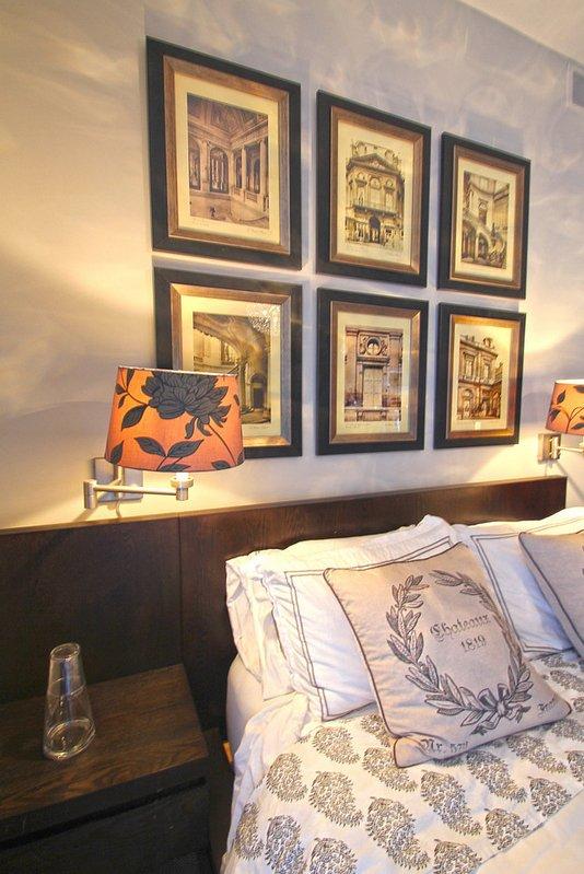 Фотография: Спальня в стиле Современный, Классический, Декор интерьера, Декор дома, Картины – фото на INMYROOM