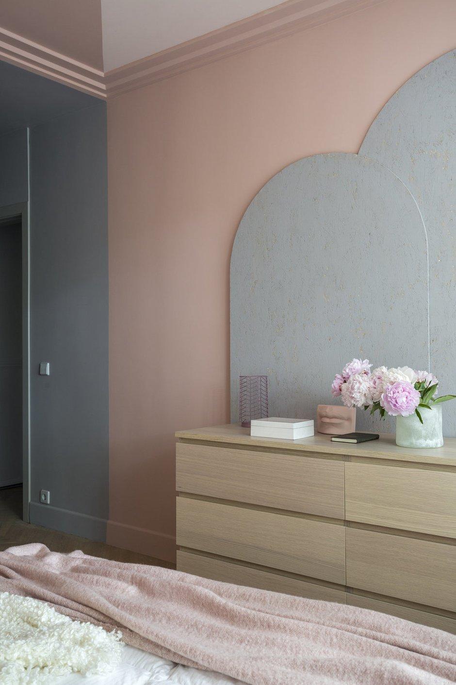 Фотография: Спальня в стиле Скандинавский, Квартира, Проект недели, Москва, П-44, Панельный дом, 2 комнаты, 40-60 метров – фото на INMYROOM