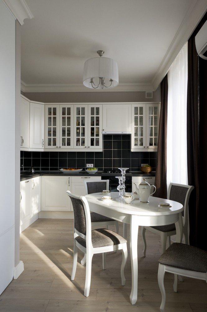Фотография: Кухня и столовая в стиле Классический, Современный, Декор интерьера, Квартира, Дома и квартиры, Неоклассика – фото на InMyRoom.ru