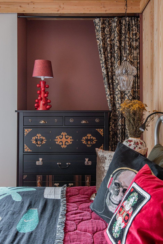 Фотография: Спальня в стиле Эклектика, Дом, Проект недели, Дача, Дом и дача, 4 и больше, Более 90 метров, Уфа, Юлия Мусина, Александр Сафаров – фото на INMYROOM