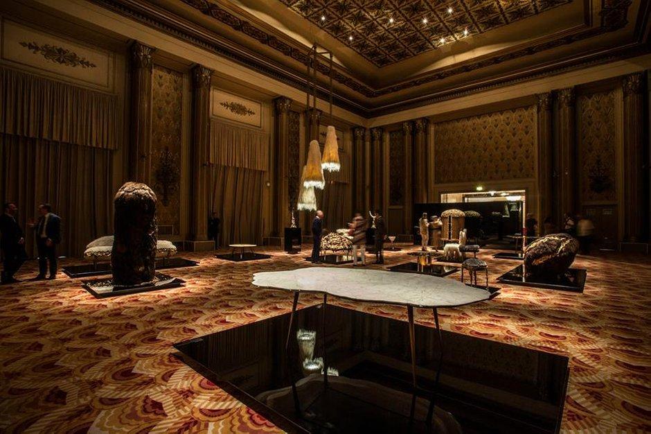 Фотография: Гостиная в стиле Классический, Современный, Индустрия, Люди – фото на INMYROOM