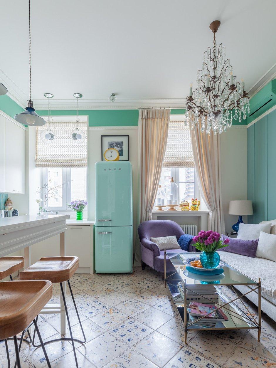 Фотография: Кухня и столовая в стиле Эклектика, Квартира, Проект недели, Москва, Кирпичный дом, 2 комнаты – фото на INMYROOM