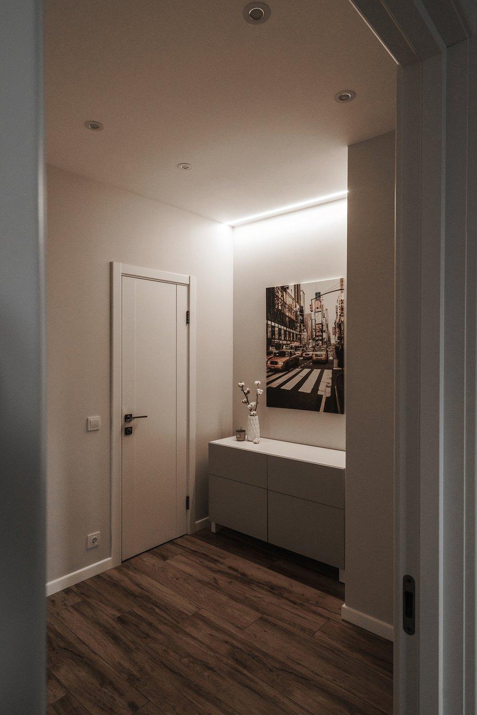 Фотография: Прихожая в стиле Минимализм, Современный, Квартира, Проект недели, Пенза, 3 комнаты, Более 90 метров, Юлия Власова – фото на INMYROOM
