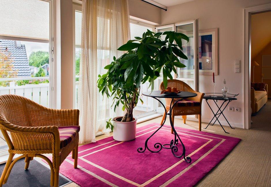 Фотография:  в стиле Прованс и Кантри, Современный, Декор интерьера, Мебель и свет, Кресло – фото на InMyRoom.ru