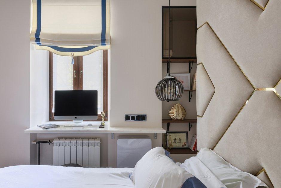 Фотография: Спальня в стиле Современный, Квартира, Проект недели, Samsung, 3 комнаты, 40-60 метров, интерьерный телевизор, the serif, Оксана Нечаева – фото на INMYROOM