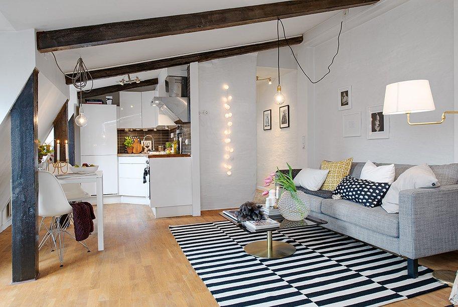 Фотография: Гостиная в стиле Скандинавский, Декор интерьера, Малогабаритная квартира, Квартира, Швеция, Цвет в интерьере, Дома и квартиры, Белый – фото на INMYROOM