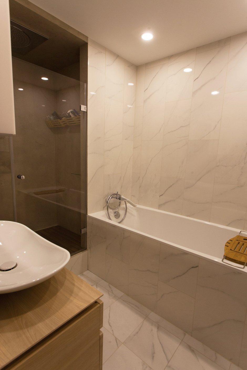 Фотография: Ванная в стиле Скандинавский, Квартира, Проект недели, Москва, Панельный дом, 2 комнаты, 60-90 метров, П44т – фото на INMYROOM