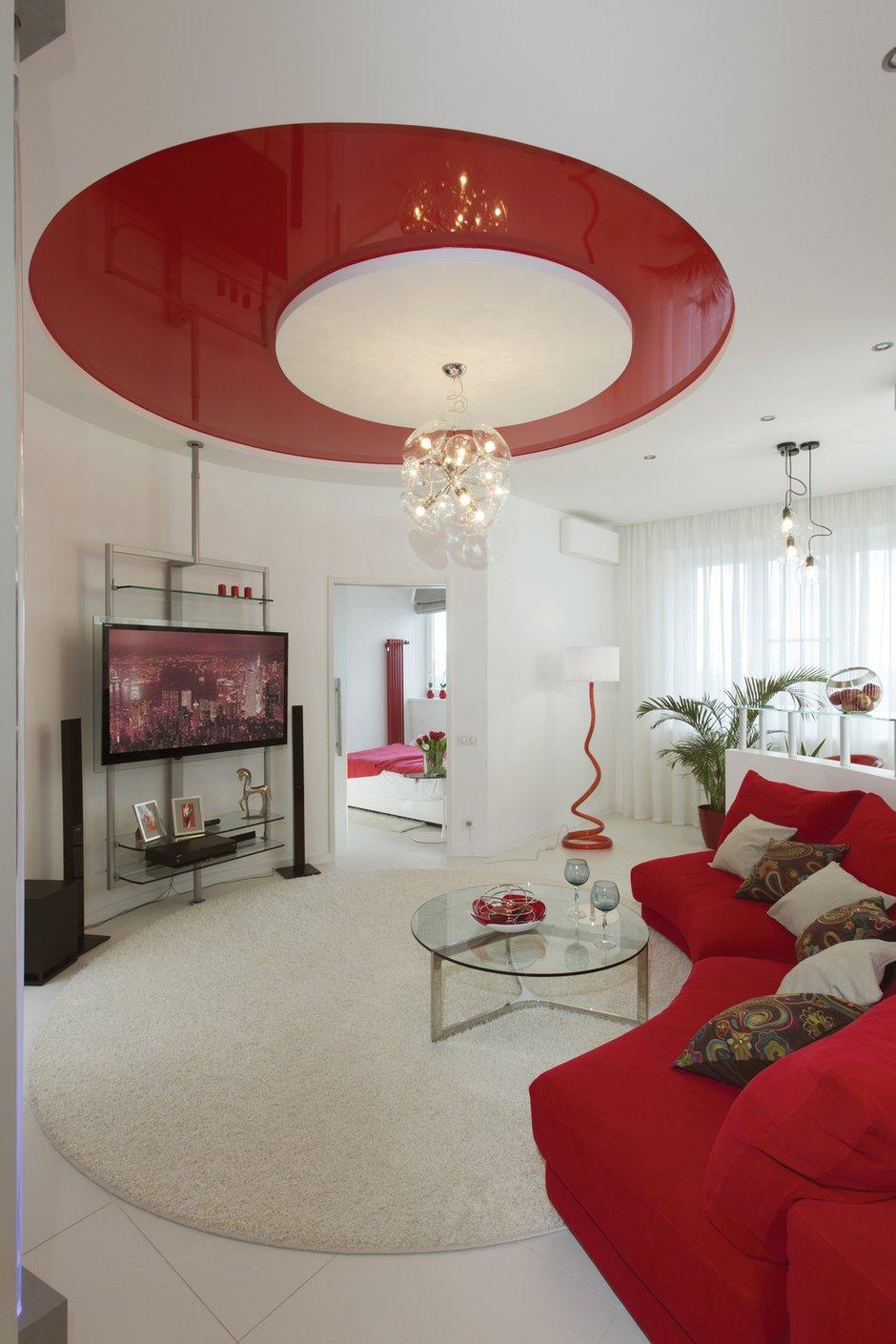 Фотография: Гостиная в стиле Хай-тек, Квартира, Цвет в интерьере, Дома и квартиры, Белый – фото на INMYROOM