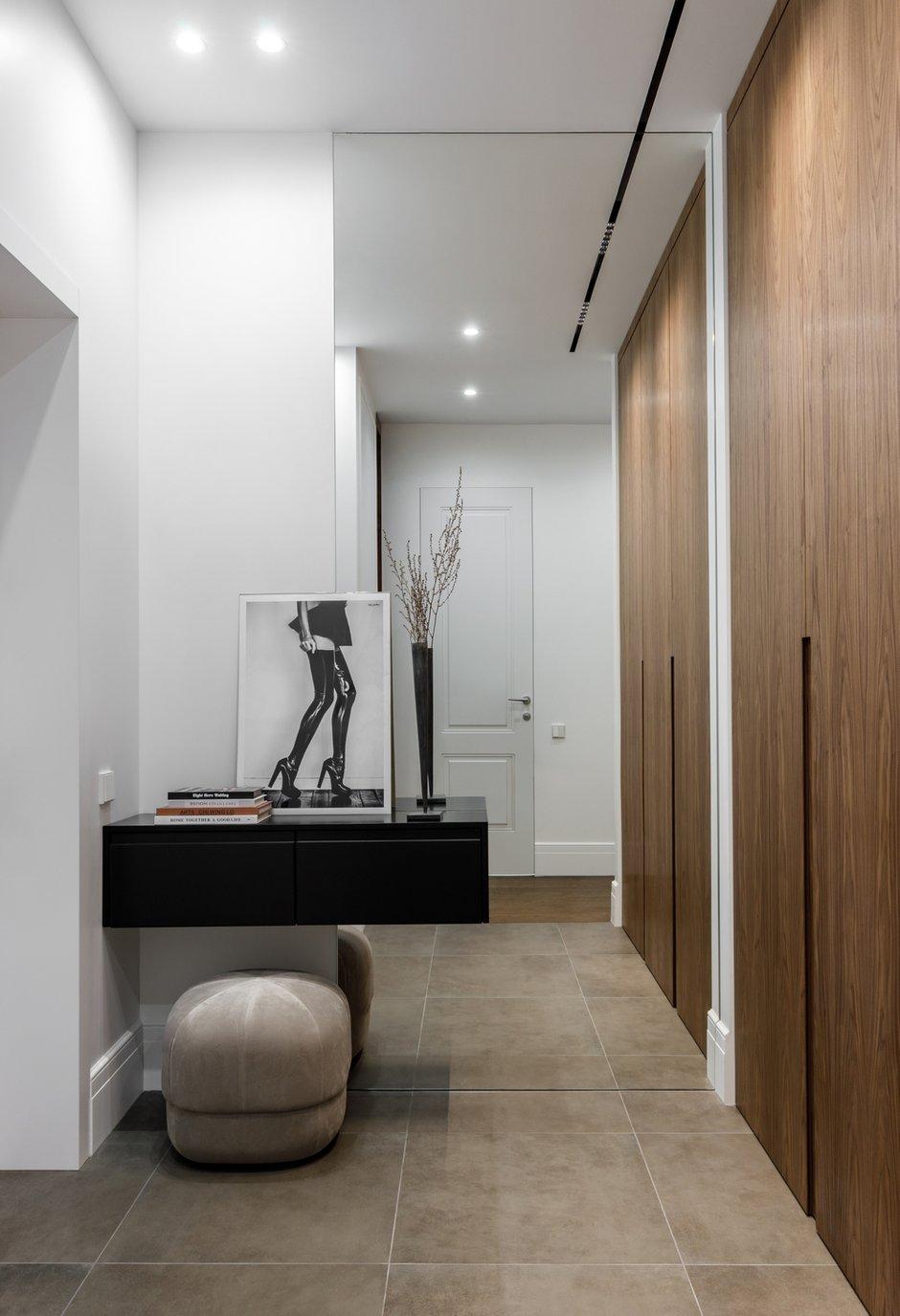 Фотография: Прихожая в стиле Современный, Квартира, Проект недели, Москва, 2 комнаты, 40-60 метров, Icon Interiors, Инга Моисеева – фото на INMYROOM