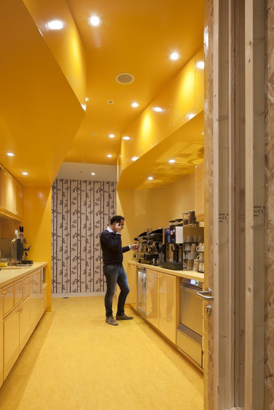 Фотография: Кухня и столовая в стиле Современный, Офисное пространство, Офис, Дома и квартиры, Проект недели – фото на INMYROOM