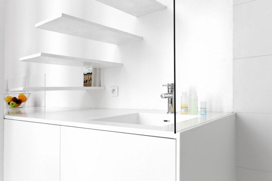 Фотография: Декор в стиле Современный, Хай-тек, Малогабаритная квартира, Квартира, Дома и квартиры, Париж – фото на INMYROOM