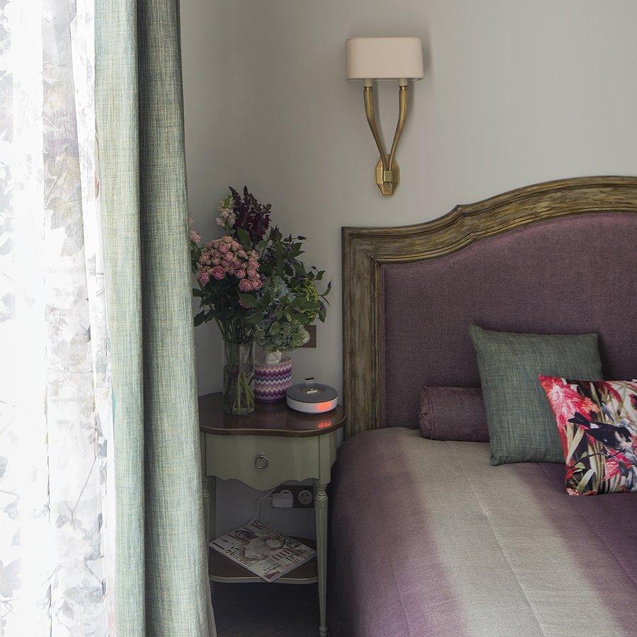 Фотография: Спальня, Мебель и свет в стиле Прованс и Кантри, Квартира, Дома и квартиры, Проект недели – фото на INMYROOM
