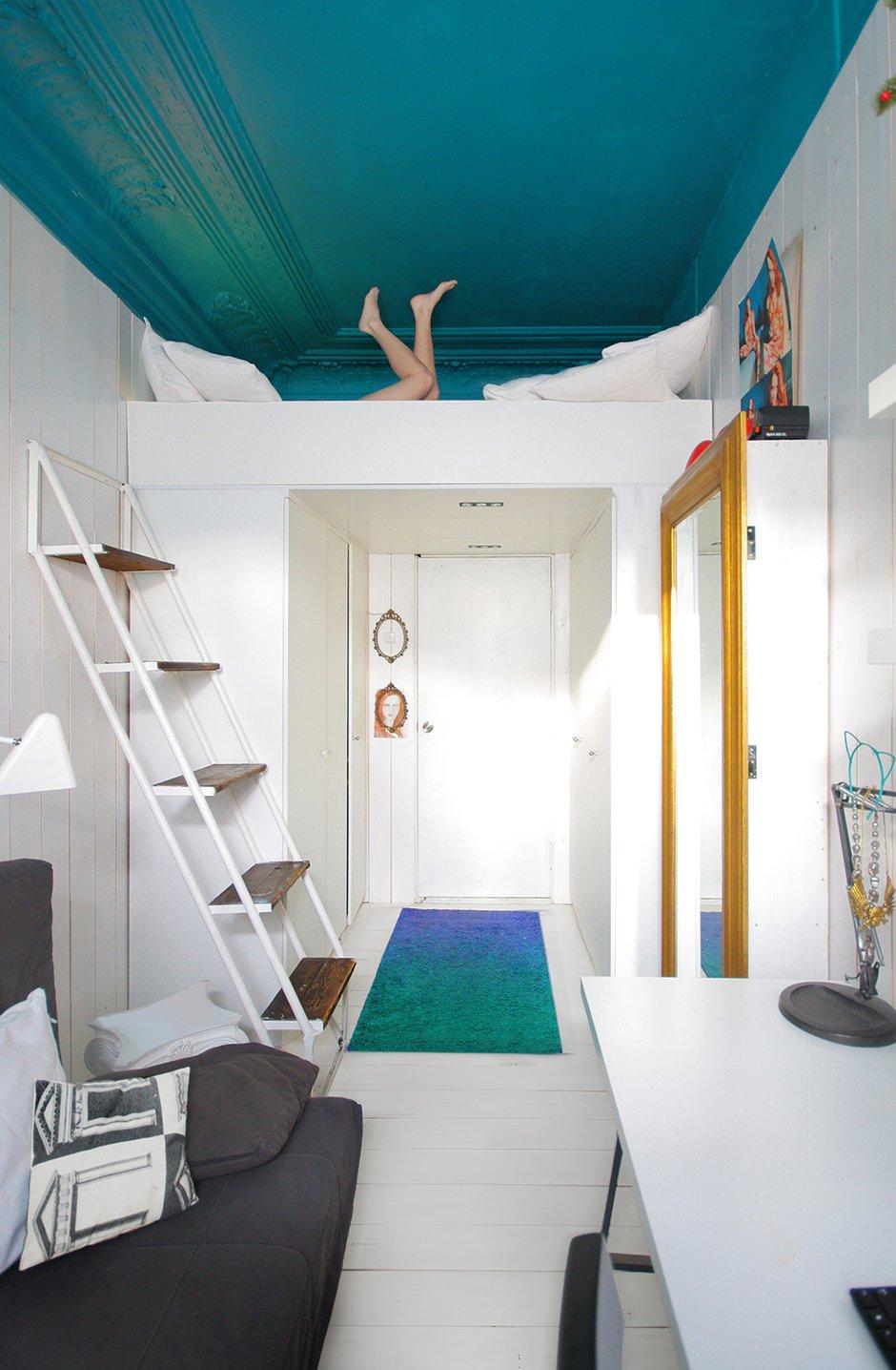 Фотография: Прихожая в стиле Современный, Малогабаритная квартира, Квартира, Цвет в интерьере, Дома и квартиры, Белый, Бирюзовый – фото на INMYROOM