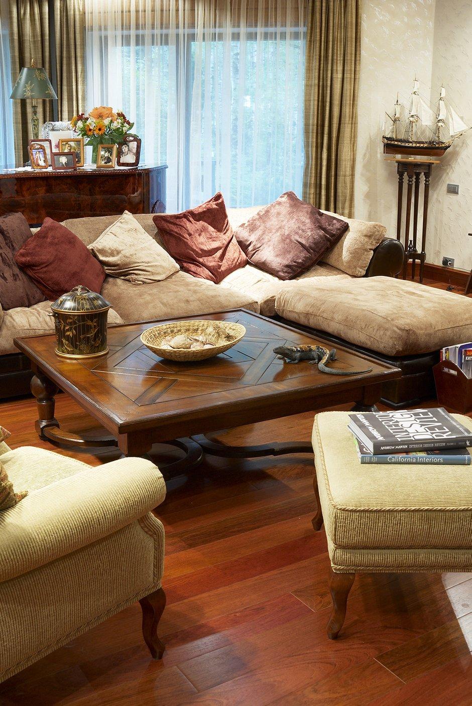 Фотография: Гостиная в стиле , Декор интерьера, Дом, Maitland Smith, Дома и квартиры – фото на InMyRoom.ru