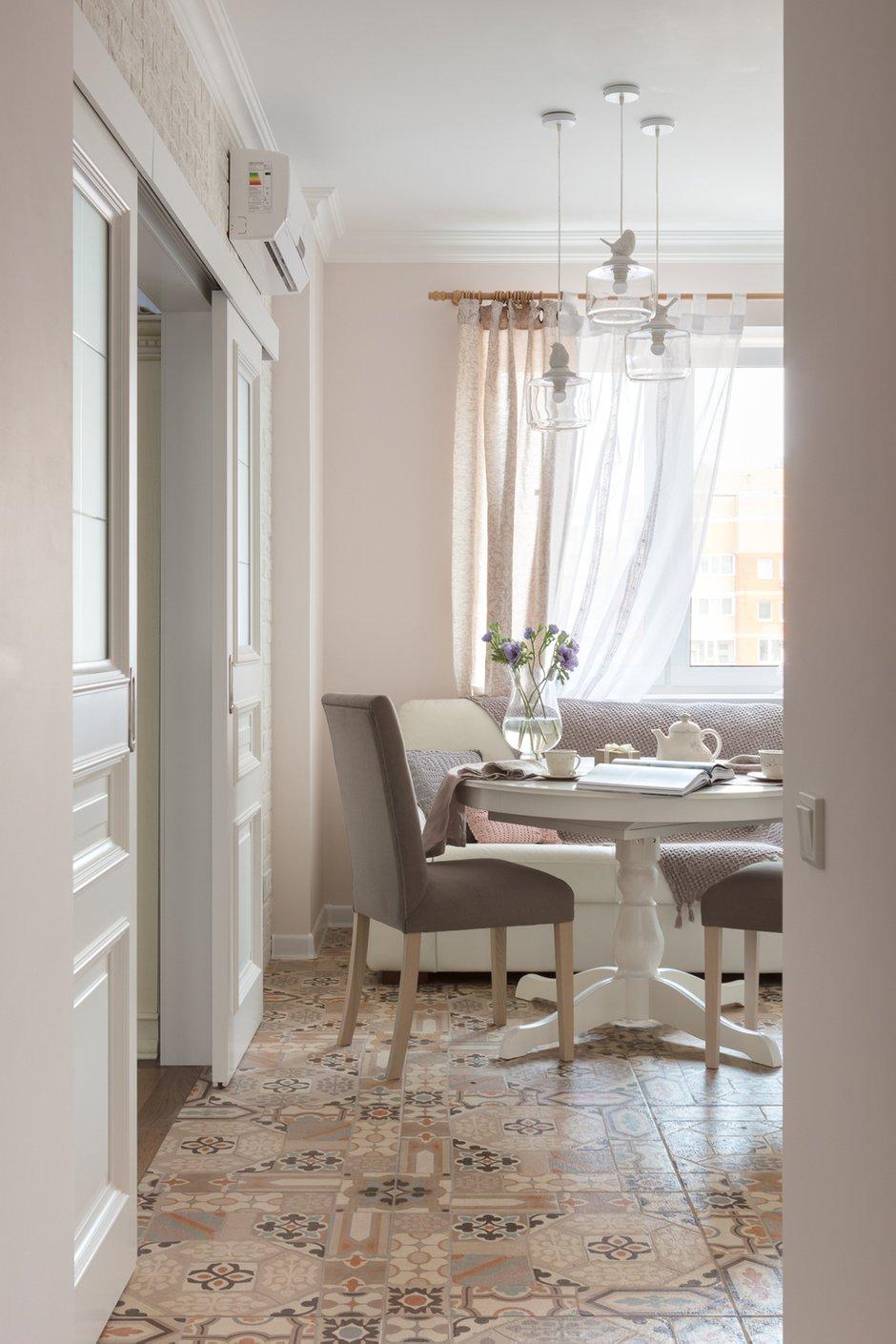 Фотография: Кухня и столовая в стиле Прованс и Кантри, Квартира, Проект недели, Балашиха, Монолитный дом, 2 комнаты, 60-90 метров, Анна Елина – фото на INMYROOM