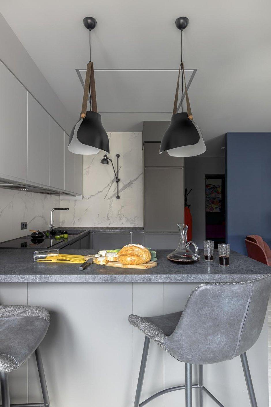 Фотография: Кухня и столовая в стиле Современный, Квартира, Проект недели, Санкт-Петербург, 2 комнаты, 60-90 метров, Balka.Studio – фото на INMYROOM