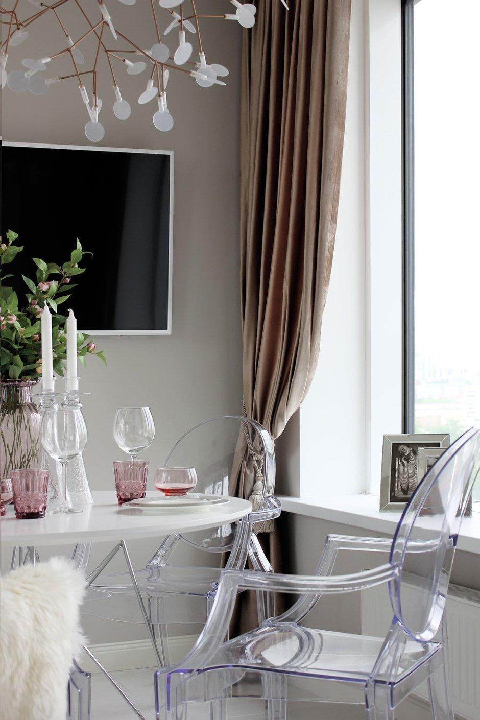 Фотография: Кухня и столовая в стиле Современный, Классический, Квартира, Проект недели, Екатеринбург, Монолитный дом, 3 комнаты, Более 90 метров, MEDIANA interiors – фото на INMYROOM