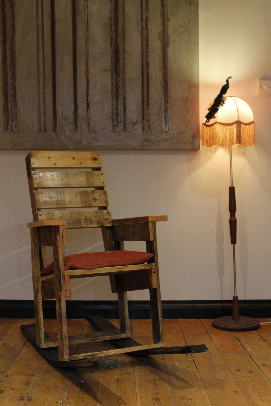 Фотография: Мебель и свет в стиле Прованс и Кантри, Современный, Декор интерьера, Квартира, Дом, Кресло-качалка – фото на INMYROOM