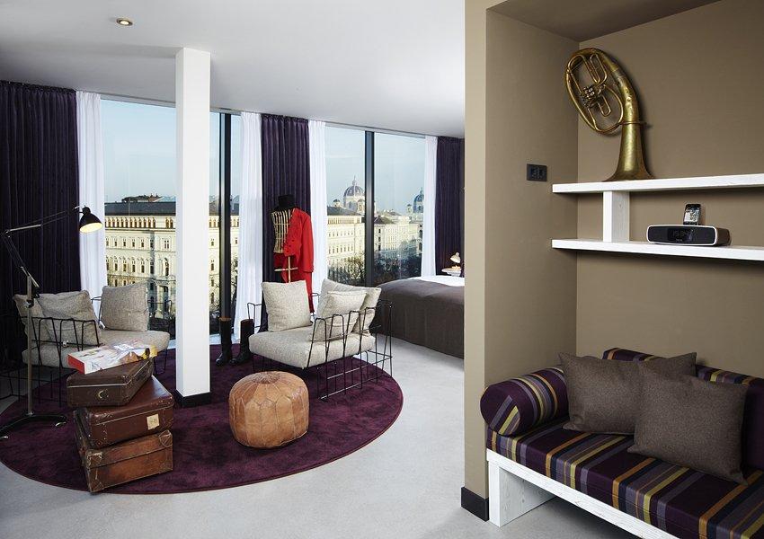 Фотография: Гостиная в стиле Современный, Дома и квартиры, Городские места, Отель, Проект недели – фото на INMYROOM