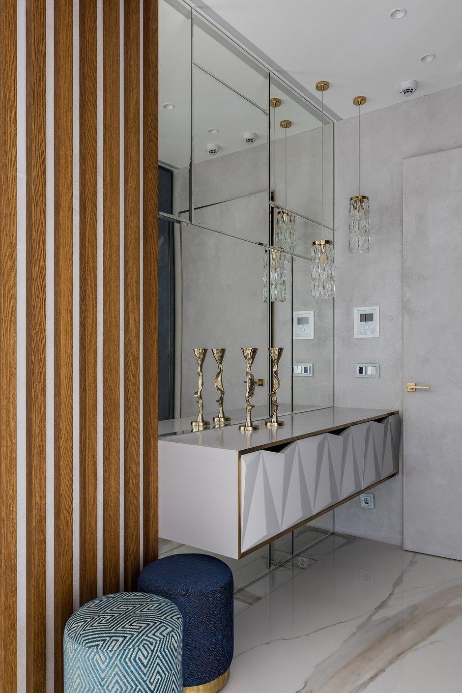 Фотография: Прихожая в стиле Современный, Квартира, Проект недели, Москва, Ульяна Скапцова, 3 комнаты, Более 90 метров, US Interiors – фото на INMYROOM