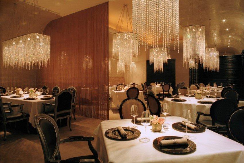 Фотография:  в стиле Современный, Великобритания, Мебель и свет, Цвет в интерьере, Индустрия, Люди, Лондон – фото на INMYROOM