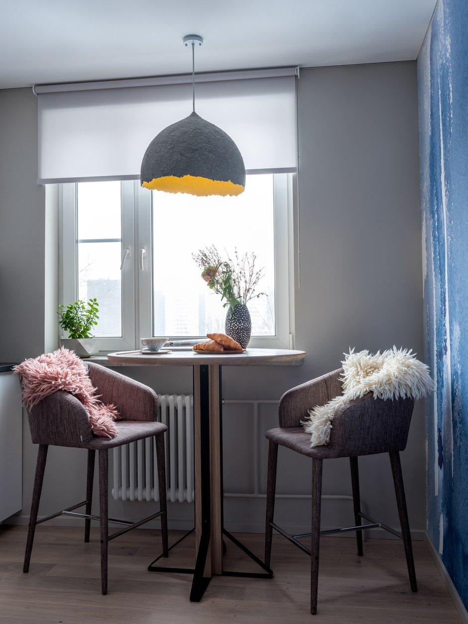 Фотография: Кухня и столовая в стиле Современный, Квартира, Проект недели, Москва, Панельный дом, 1 комната, 40-60 метров, Анастасия Брандт – фото на INMYROOM