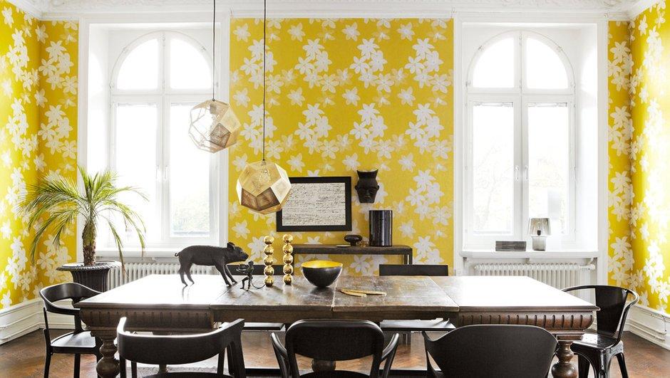 Фотография: Кухня и столовая в стиле Скандинавский, Современный, Декор интерьера, Дизайн интерьера, Цвет в интерьере, Обои, Стены, Эко – фото на INMYROOM