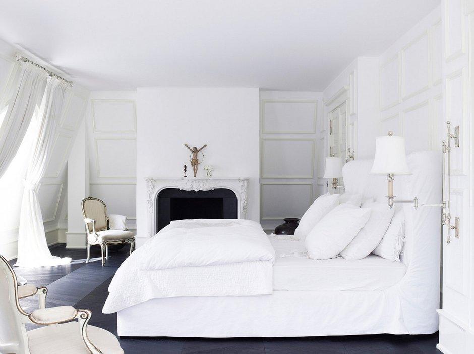 Фотография: Спальня в стиле Скандинавский, Декор интерьера, Дизайн интерьера, Цвет в интерьере, Белый, Dulux, Краска – фото на INMYROOM