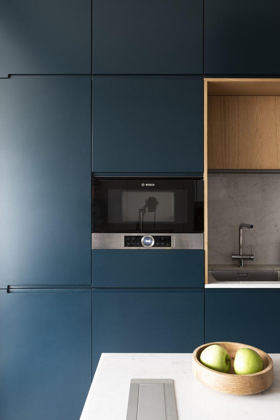 Фотография: Кухня и столовая в стиле Современный, Квартира, Проект недели, Москва, Монолитный дом, 4 и больше, Более 90 метров, Zeworkroomstudio – фото на INMYROOM