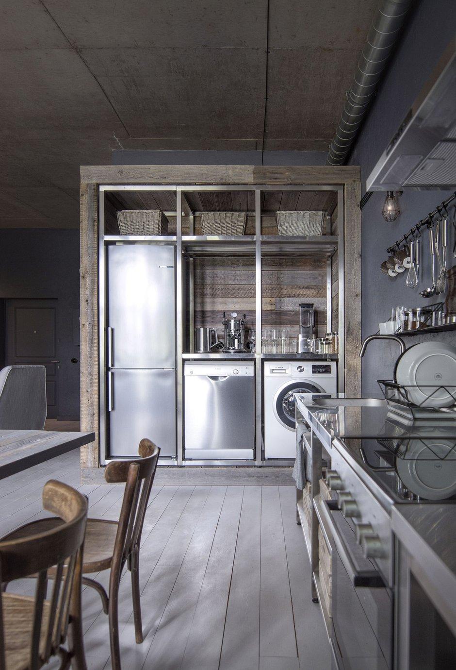 Фотография: Кухня и столовая в стиле Лофт, Квартира, Студия, Проект недели, Москва, Кирпичный дом, до 40 метров, INT2architecture – фото на INMYROOM