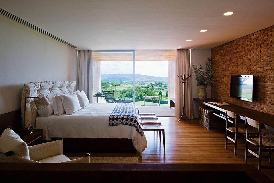 Фотография: Спальня в стиле Классический, Лофт, Современный, Декор интерьера, Дома и квартиры, Городские места, Отель, Проект недели – фото на INMYROOM