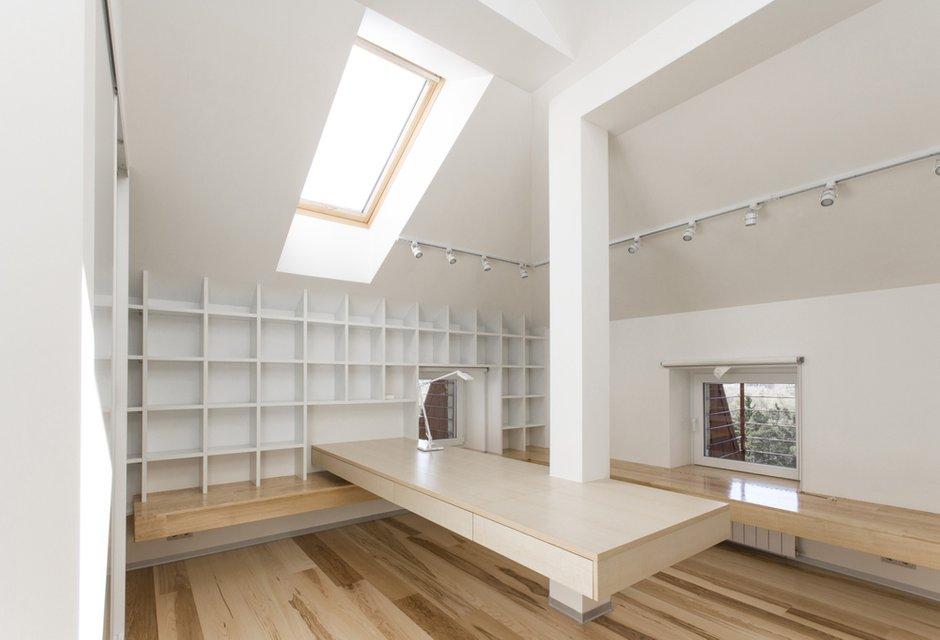 Фотография: Офис в стиле Лофт, Квартира, BoConcept, Дома и квартиры, Белый, IKEA, Проект недели, Мансарда – фото на INMYROOM
