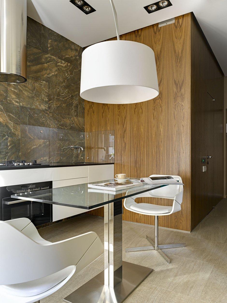 Фотография: Кухня и столовая в стиле Современный, Малогабаритная квартира, Квартира – фото на INMYROOM