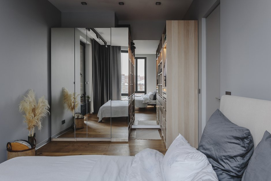 Фотография: Спальня в стиле Современный, Минимализм, Квартира, Проект недели, Москва, Samsung, 2 комнаты, 40-60 метров, интерьерный телевизор, the serif – фото на INMYROOM