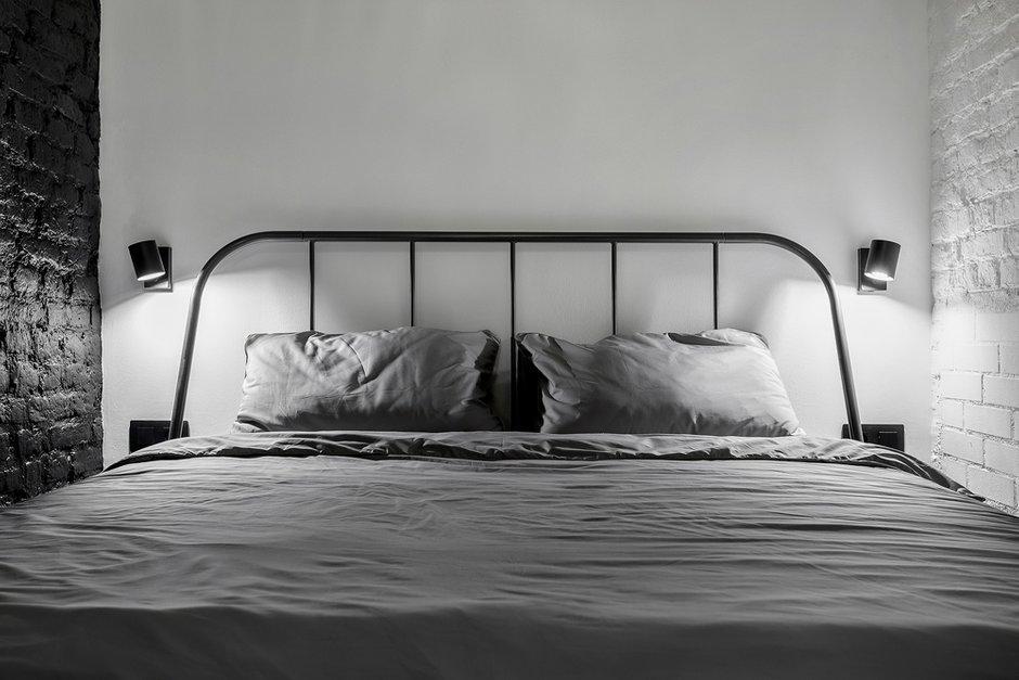 Фотография: Спальня в стиле Лофт, Квартира, Проект недели, Санкт-Петербург, Кирпичный дом, 2 комнаты, 40-60 метров, Bobo.space – фото на INMYROOM