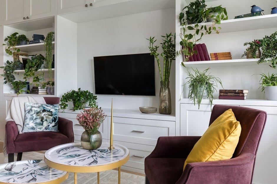 Фотография: Гостиная в стиле Современный, Классический, Квартира, Проект недели, Санкт-Петербург, Светлана Иванова, Монолитный дом, 2 комнаты, 60-90 метров – фото на INMYROOM