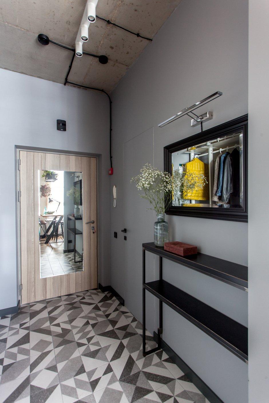 Фотография: Прихожая в стиле Лофт, Современный, Квартира, Проект недели, Москва, 1 комната, до 40 метров, 40-60 метров, MiR Buro – фото на INMYROOM