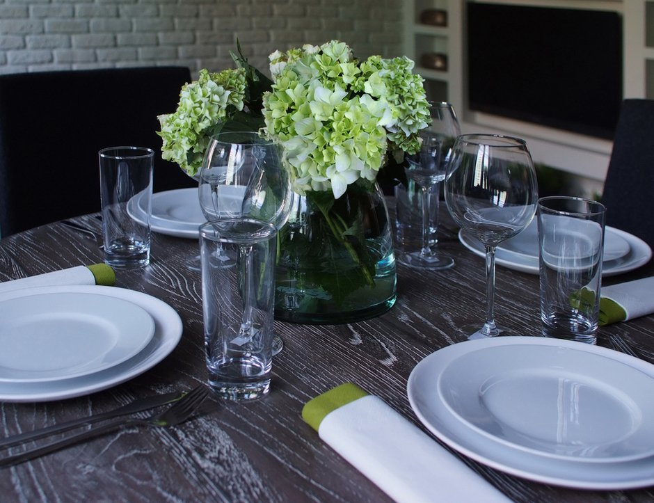Фотография: Кухня и столовая в стиле Современный, Декор интерьера, Квартира, Дома и квартиры, Стена – фото на InMyRoom.ru