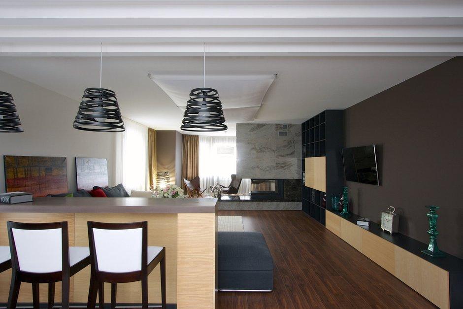 Фотография: Кухня и столовая в стиле Современный, Дом, Планировки, Мебель и свет, Дома и квартиры, Мансарда – фото на INMYROOM