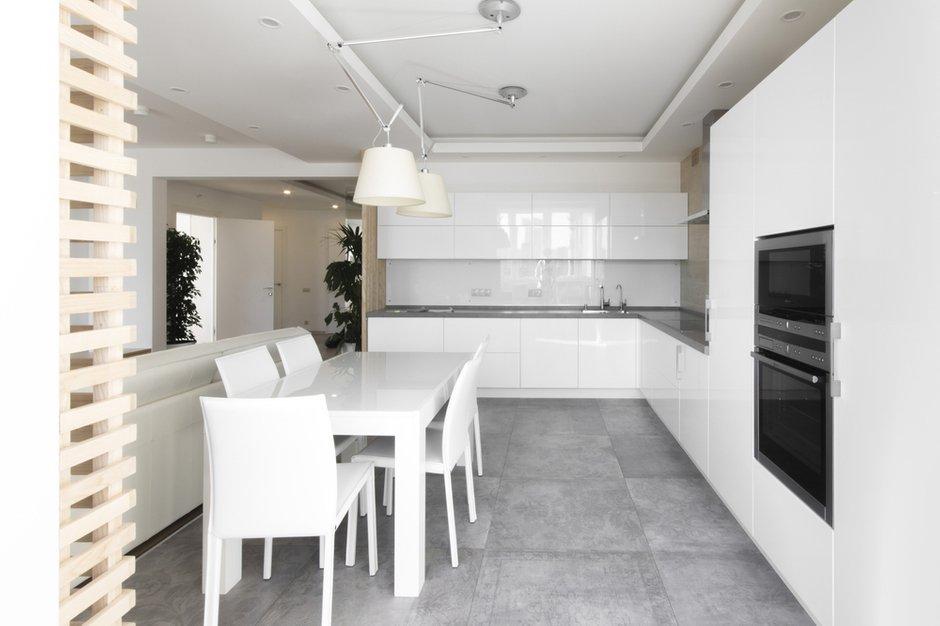 Фотография: Кухня и столовая в стиле Лофт, Квартира, BoConcept, Дома и квартиры, Белый, IKEA, Проект недели, Мансарда – фото на INMYROOM