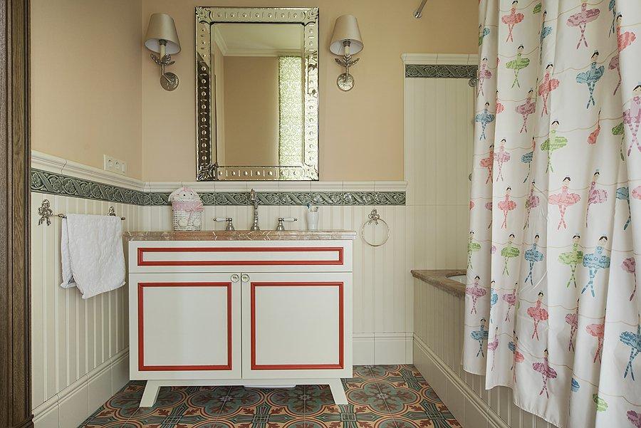 Фотография: Ванная в стиле Прованс и Кантри, Квартира, Дома и квартиры, Проект недели – фото на InMyRoom.ru