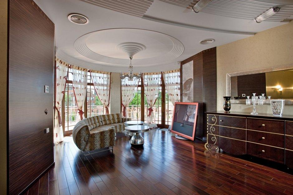 Фотография: Гостиная в стиле Современный, Дом, Дома и квартиры, Ар-деко – фото на INMYROOM