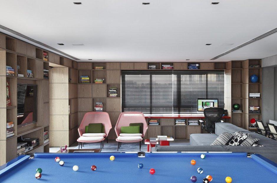Фотография:  в стиле Современный, Дом, Цвет в интерьере, Дома и квартиры, Серый, Бразилия, Пол, Сан-Паулу – фото на INMYROOM