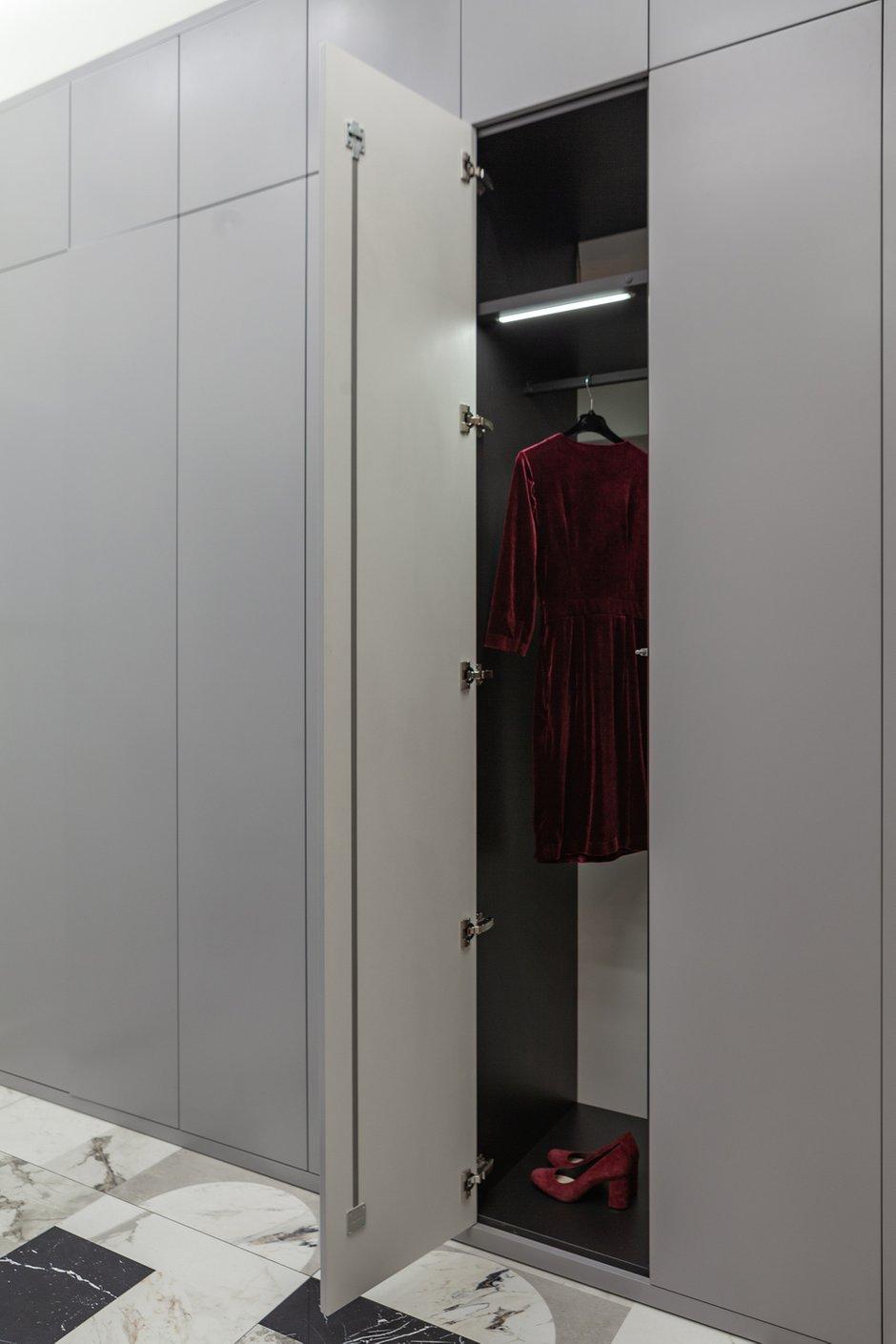 Фотография: Прихожая в стиле Современный, Квартира, Проект недели, Москва, 3 комнаты, Более 90 метров – фото на INMYROOM