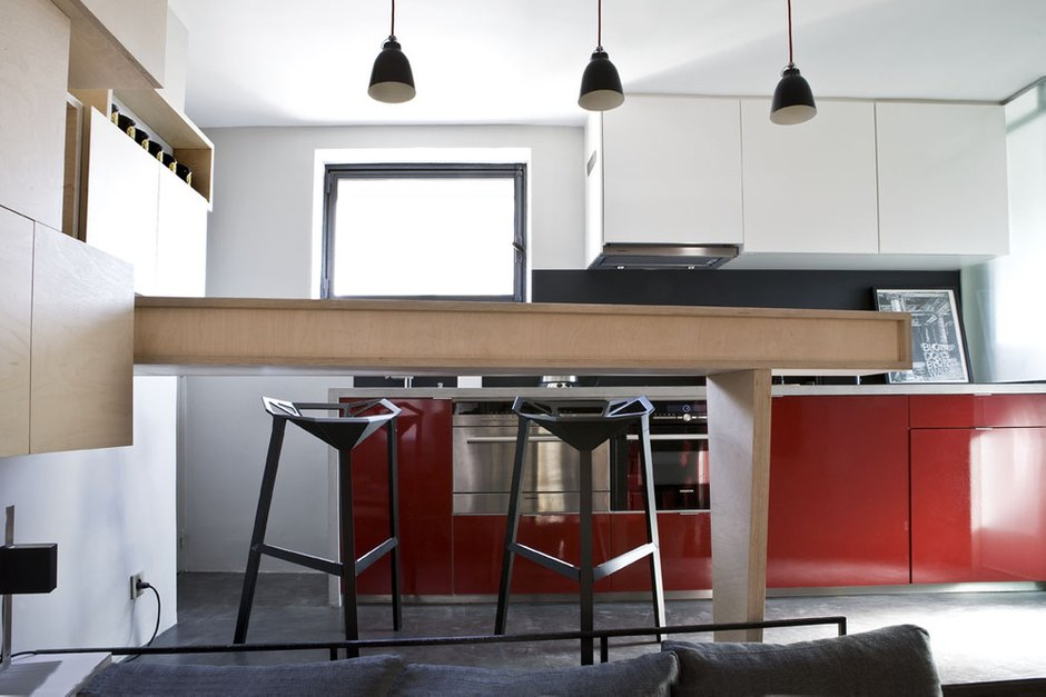 Фотография: Кухня и столовая в стиле Скандинавский, Лофт, Малогабаритная квартира, Квартира, Дома и квартиры – фото на INMYROOM