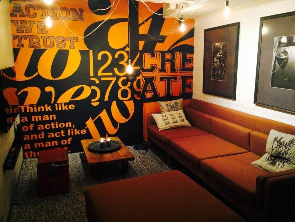 Фотография: Гостиная в стиле Лофт, Декор интерьера, Офисное пространство, Декор дома – фото на INMYROOM