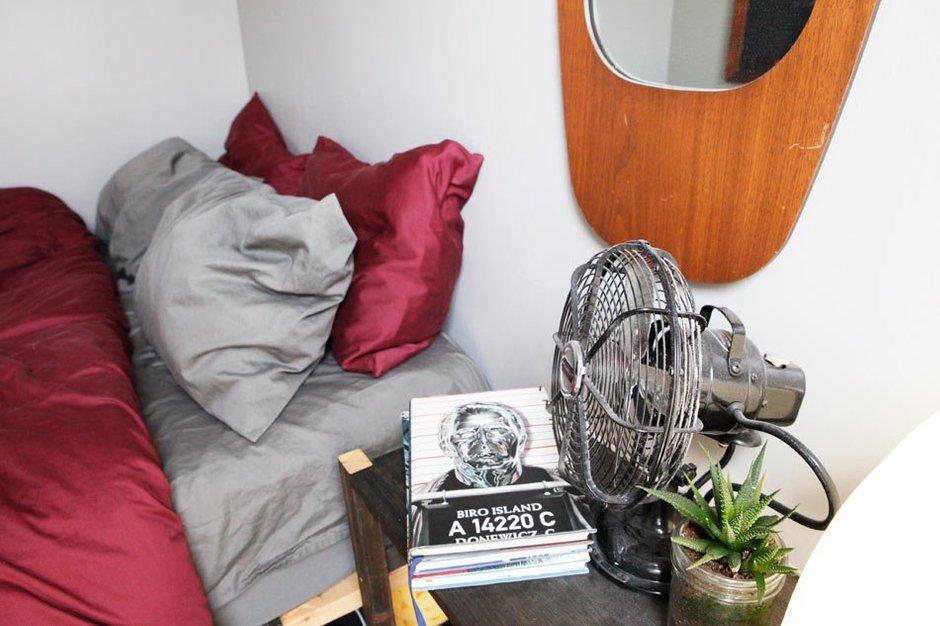 Фотография: Спальня в стиле Современный, Квартира, США, Дома и квартиры, Библиотека – фото на INMYROOM