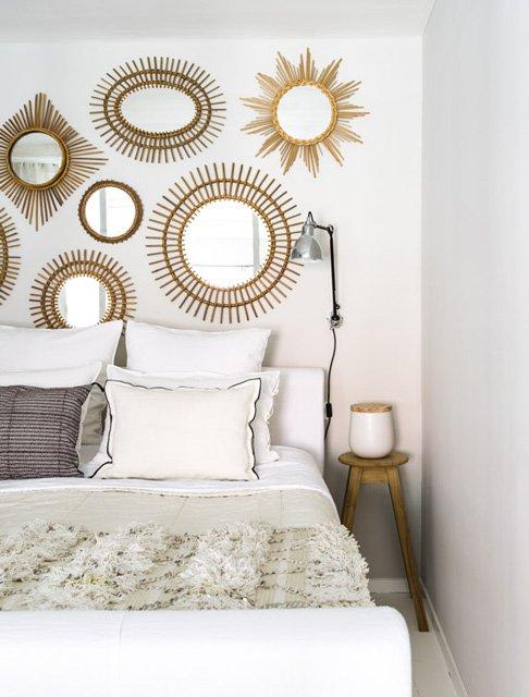 Фотография: Спальня в стиле Современный, Скандинавский, Декор интерьера, Малогабаритная квартира, Квартира, Цвет в интерьере, Дома и квартиры, Белый – фото на INMYROOM