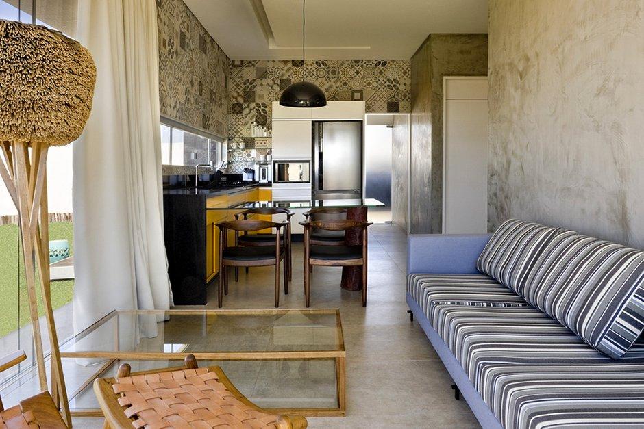 Фотография: Гостиная в стиле Современный, Декор интерьера, Дом, Дома и квартиры, Архитектурные объекты – фото на INMYROOM