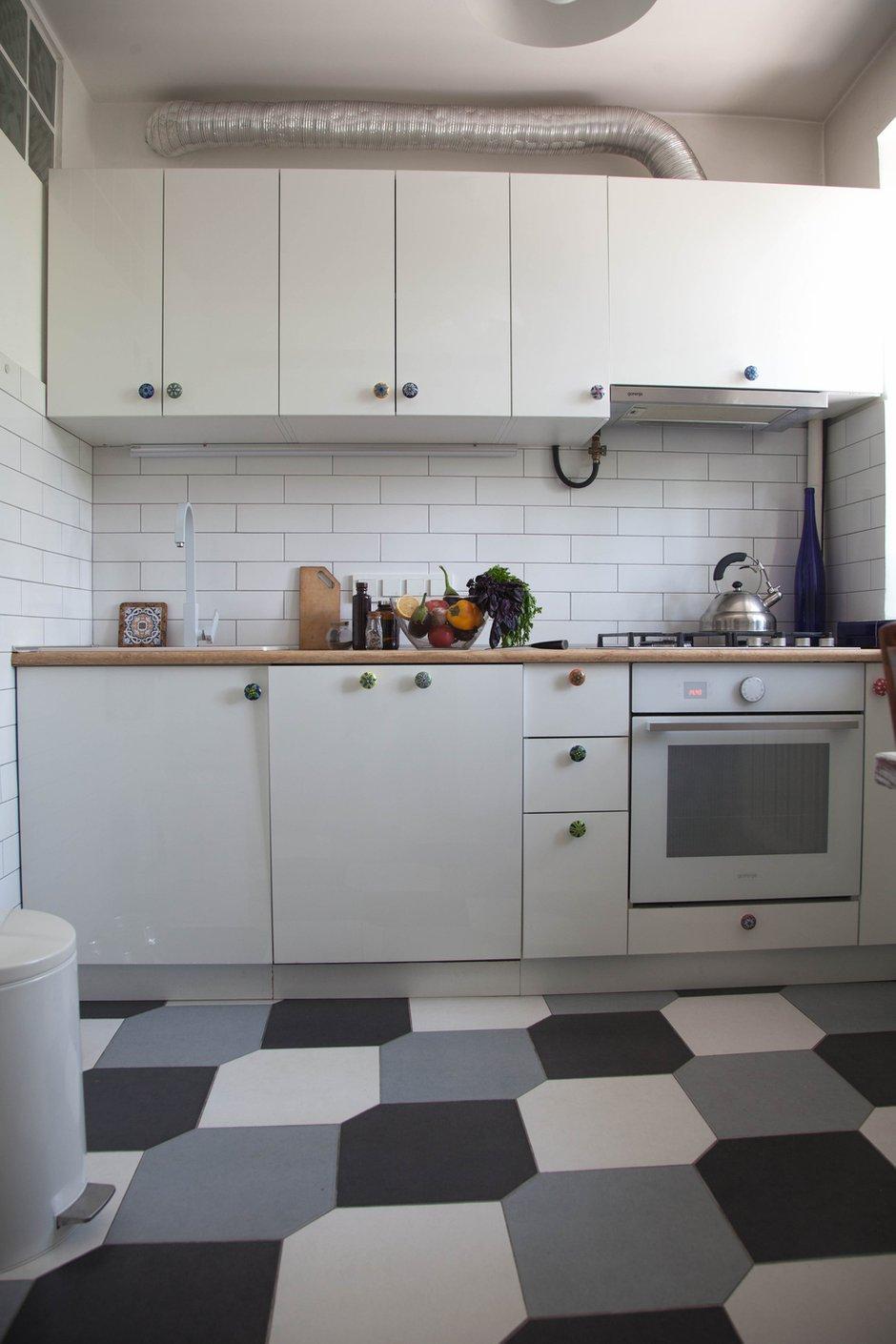 Фотография: Кухня и столовая в стиле Скандинавский, Квартира, Проект недели, двухкомнатная квартира, Герой InMyRoom, Казахстан, Хрущевка – фото на INMYROOM